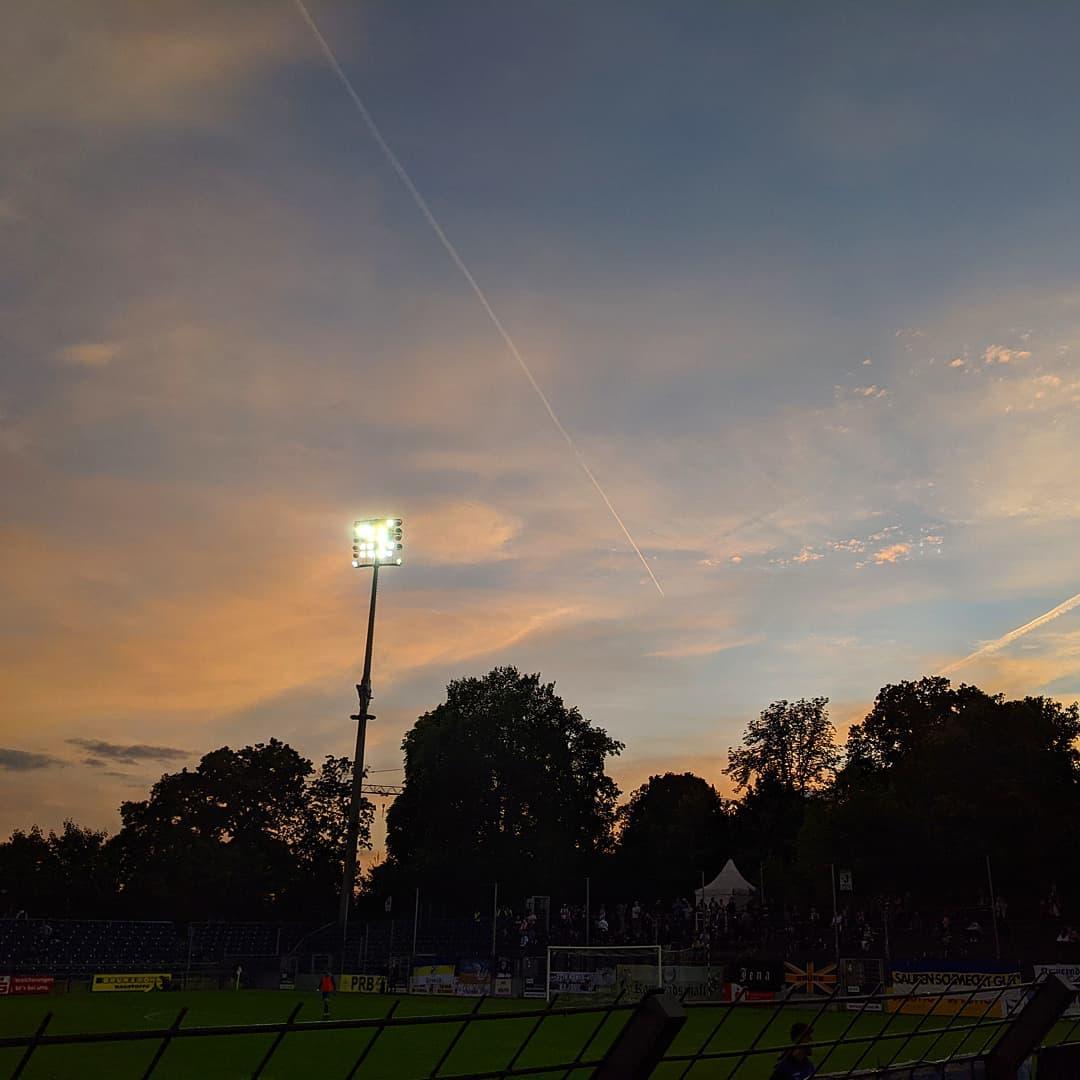 #instasunday #photooftheweek #fussball #babelsberg #svb #03 #nulldrei #stadionliebe #flutlicht #flutlichtliebe #sunset #sonnenuntergang